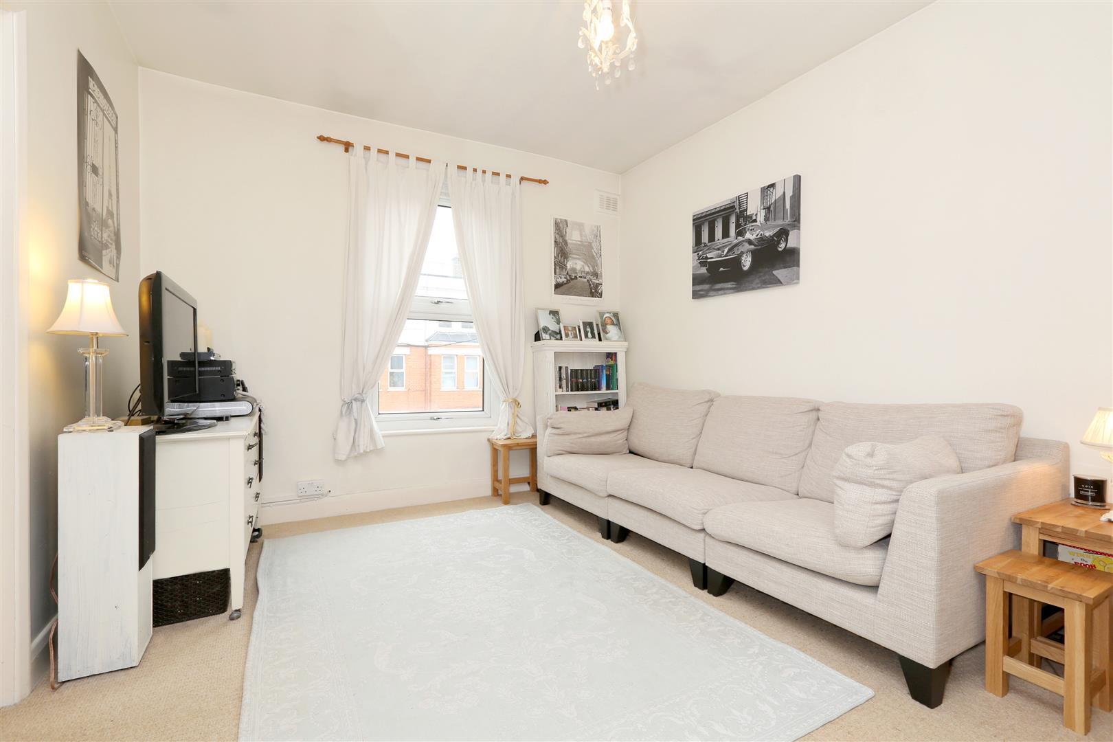 1 Bedroom Flat for sale in Graham Road, London